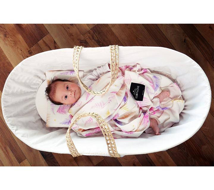 Milyen ajándékot vigyünk az újszülött babáknak és szüleiknek